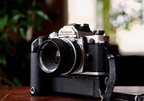 Nikon FM + Grip