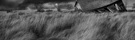abandoned farmhouse, Alberta