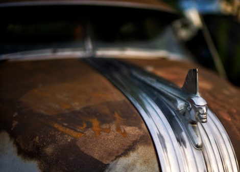 Pontiac Chieftain Coupe - Hood Ornament
