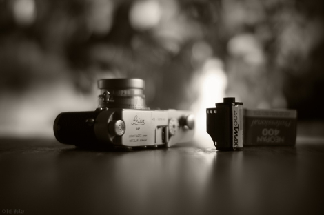 Leica M3 with collapsible Summicron lens