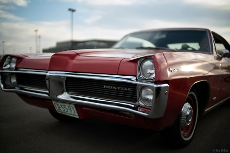 A pair of old Pontiac's from tonight @ f/1.2